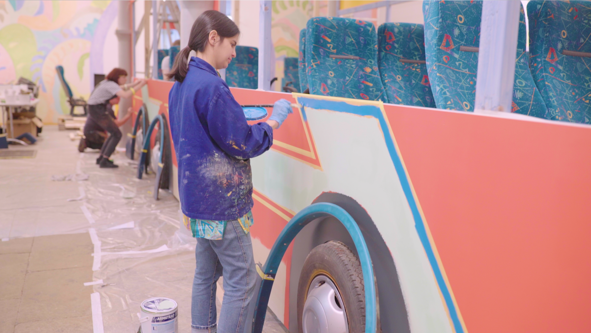 Sol Calero installing El Autobús. Artwork © Sol Calero. Image courtesy of Tate, Tate Digital, 2019