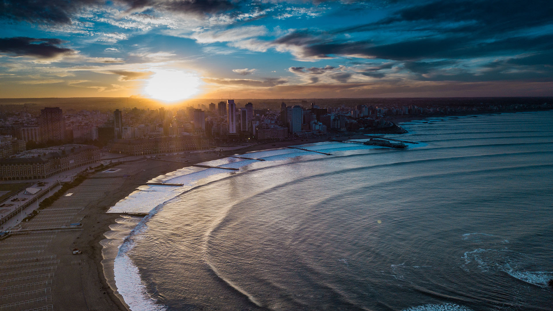 The sun setting over one of the fantastic beaches (Image credit - Infobae)